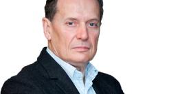 Dr. Javier Álvarez: